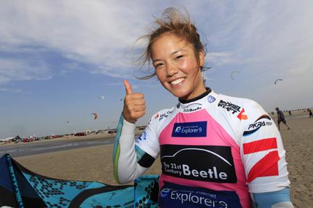 Sabrina Lutz aus Hamburg fliegt zum Beetle Kitesurf World Cup