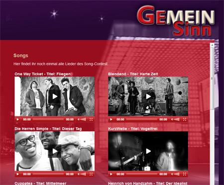 Kris von Revolverheld und Hugo Egon Balder live beim GemeinSinn Song-Contest