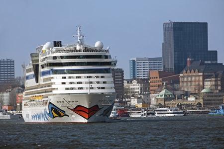 AIDA Cruises will für umweltfreundliche Stromversorgung im Hamburger Hafen sorgen