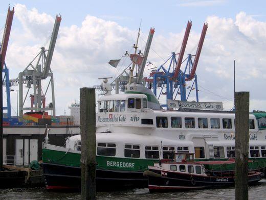 Gorch Fock kommt wieder zum 824. Hamburger Hafengeburtstag 2013