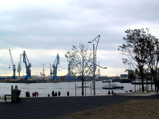 Richtfest für das umweltfreundliche Bürogebäude der Hafenbahn