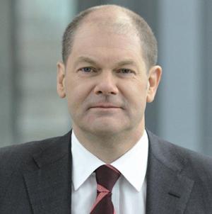 Hamburgs Bürgermeister Olaf Scholz diskutiert auf der Social Media Week 2013