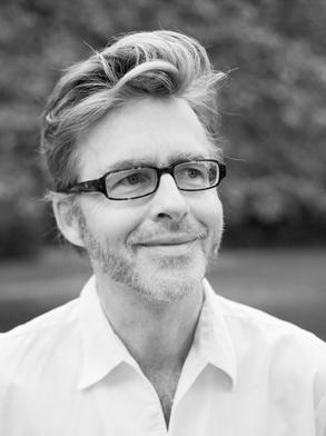 Buchpremiere im Nachtasyl Hamburg – Jörg-Uwe Albigs stellt seinen Roman Ueberdog vor