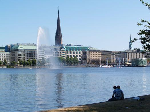 Internationale Bauausstellung IBA wird in Hamburg eröffnet –  Ausblick auf die Internationale Gartenschau