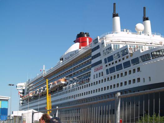 Zahlreiche Traumschiffe beim HAFENGEBURTSTAG HAMBURG 2013