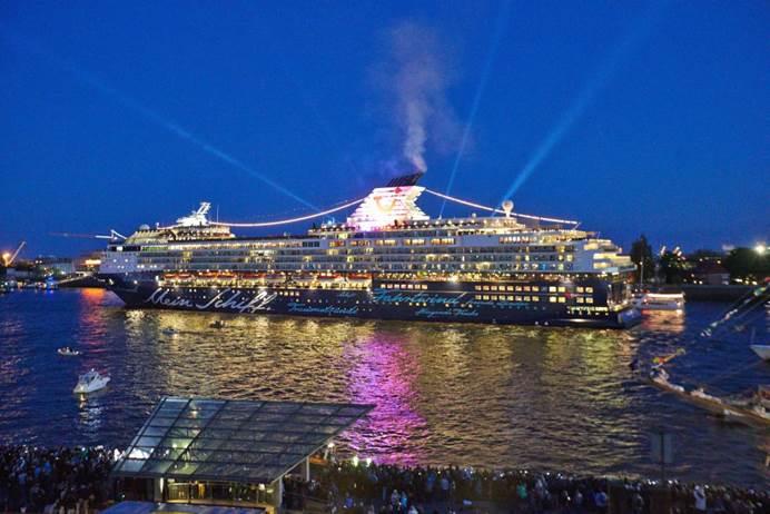 Full Metal Cruiser lautstark zurück in Hamburg