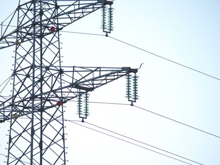 Morgen Volksentscheid in Hamburg! Bürgergenossenschaft stellt restliches Eigenkapital für den Rückkauf des Hamburger Stromnetzes bereit