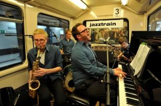 Mit Jazz die U-Bahnfahrt genießen – take the jazztrain in Hamburg