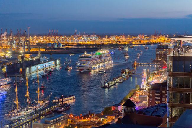 Hamburger Hafengeburtstag – Gleich drei AIDAs plus Riesenfeuerwerk – Und direkt aus Kopenhagen Elaiza live