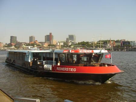 Neues HADAG Fährschiff MS Reiherstieg getauft