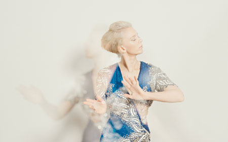 Thea Hjelmeland – Blue Accoustic pop live im Nachtasyl Hamburg